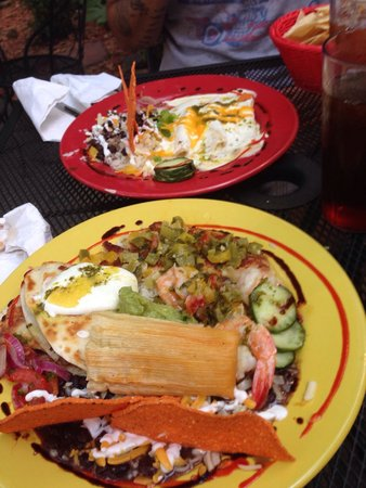 Rolando's Restaurante: Combination platter and the LuLu