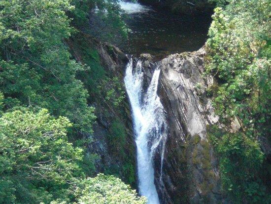 Vale of Rheidol Railway: Landschaft und Wasserfall