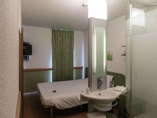 Hotel Ibis Budget Brugge Centrum Station: My room