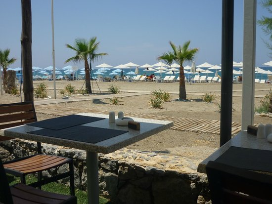 Minos Mare Hotel : resto op het strand