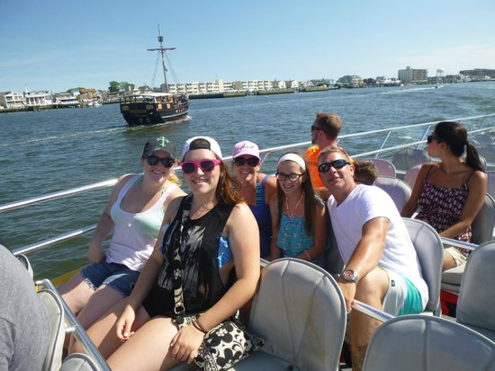 CYCLONE Speedboat Tours: Our group!