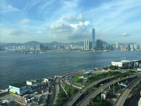 Courtyard Hong Kong: 高層階からの眺望です。
