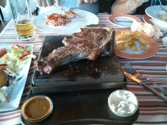 El Mastil Restaurante : still cooking