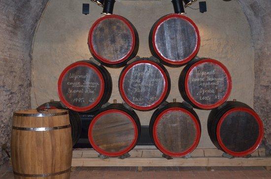 Shustov Cognac Winery Museum : Бочки