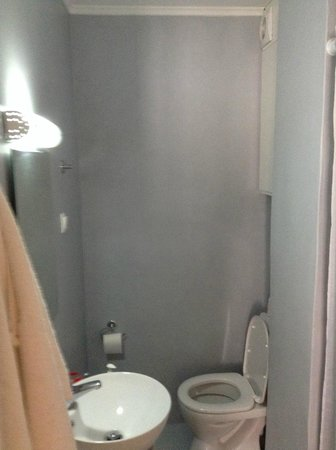 Theano Hotel: Bathroom
