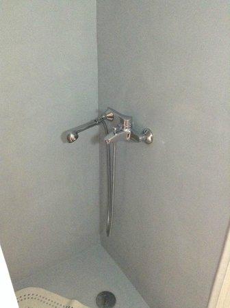 Theano Hotel: Shower