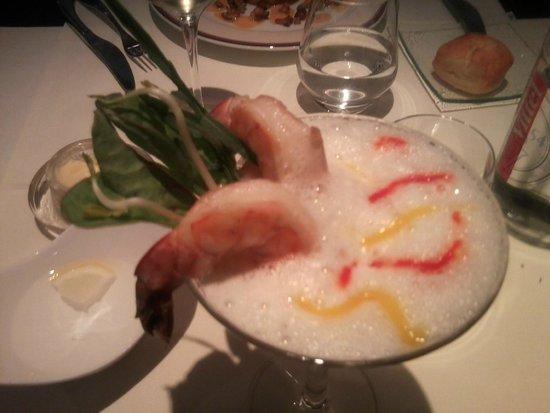 """Le Gavroche : Crustacé, gambas""""Black Tiger"""", Tajine de légumes, crème mousseuse à la citronnelle"""