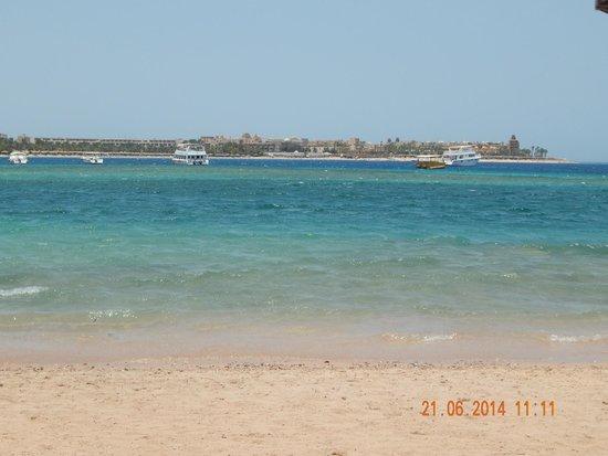 Jaz Makadi Saraya Resort: The main beach