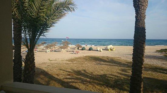 Omar Khayam Club: plage