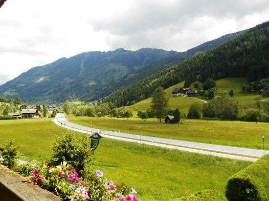 Gasthof Pension Appartements Zur Gams: Uitzicht vanaf het balkon (N)
