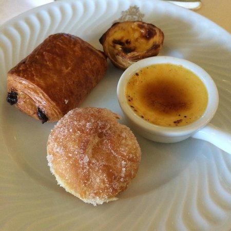 Four Seasons Hotel Ritz Lisbon: €37 breakfast