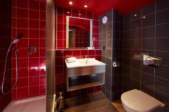 Salle de bain - Chalet Mouflon - Picture of Les Chalets de Rosael ...