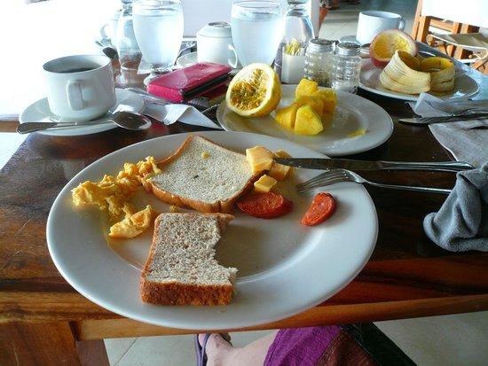 Las Perlas Hotel & Resort Playa Blanca : Petit déjeuner