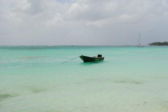 St. Anne Beach: sable blanc et mer turquoise