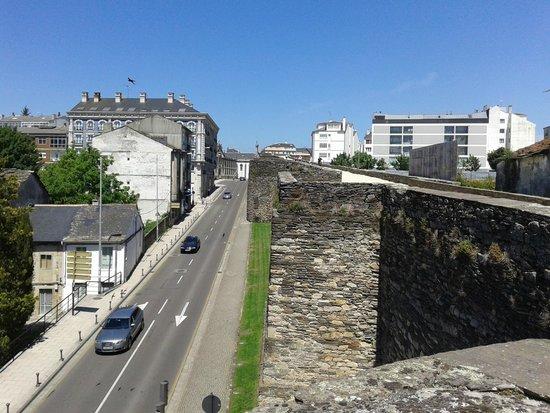 Las murallas romanas de Lugo: vista desde la muralla