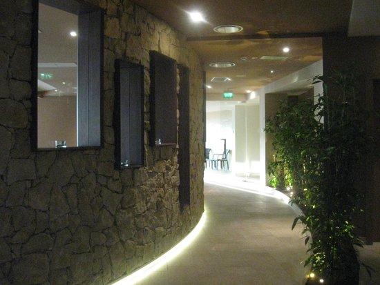 Poiano Resort Hotel: La SPA all'interno vista lago:inaugurata nel 2013