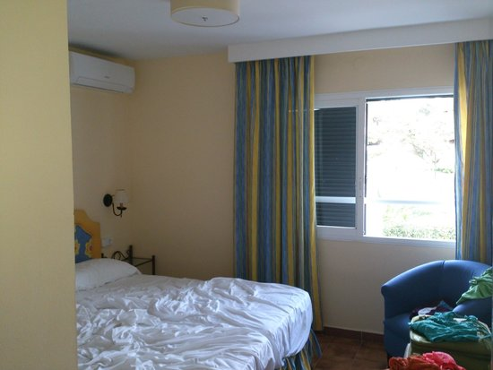Torrent Bay by Intercorp Hotel Group : habitación