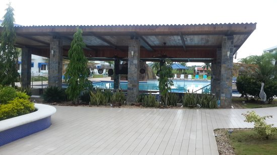 Mykonos Hotel & Convention Center : Great pool bar