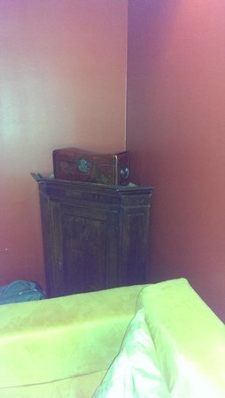Merchant's House Hotel: старинная мебель