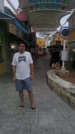 La Isla Shopping Village : La Isla.