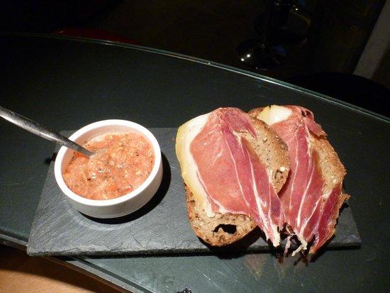 Le Clandestin : Pan con tomate y jamon