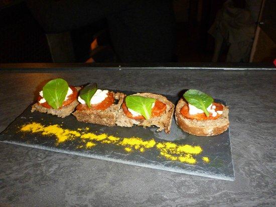Le Clandestin : Crostini Chorizo Feta