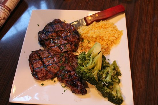 Candlewyck: Rib Eye Steak, Broccoli, and Rice