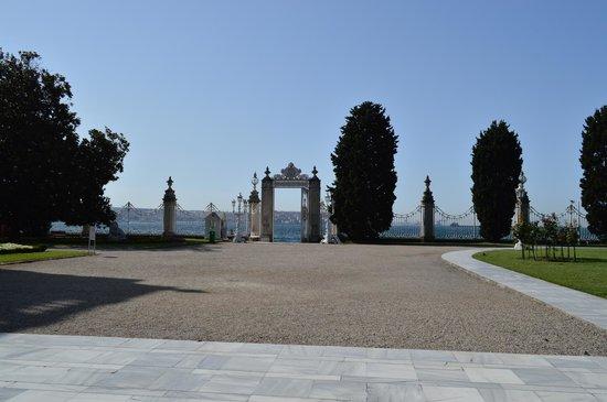 Palacio de Dolmabahçe: Un portail