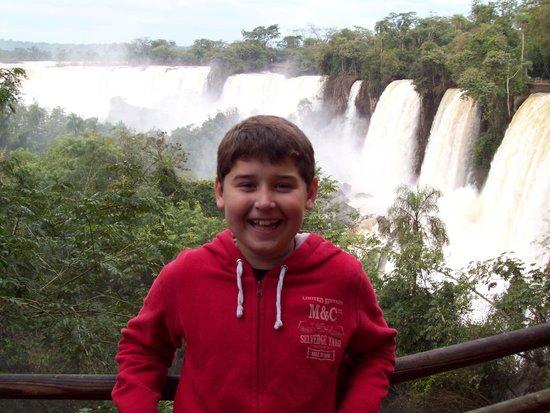 Hotel Jardin de Iguazu: Las cataratas estan cerca 80 pesos ida y vuelta en colectivo