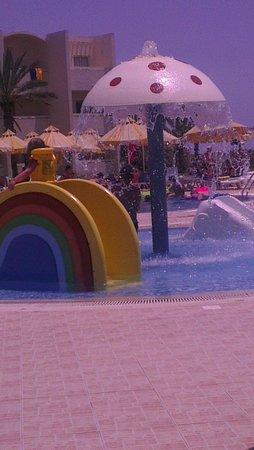 Omar Khayam Club : Kids splash pool