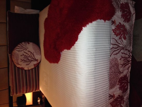 QT Sydney: Bed time at the QT