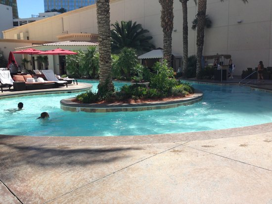 Monte Carlo Resort & Casino: lazy river