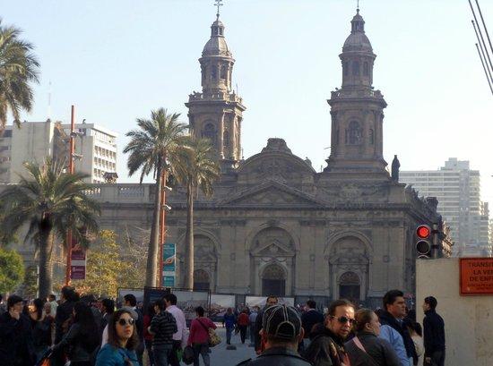 Catedral Metropolitana de Santiago: Catedral d Santiago e suas torres