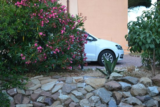 Villa Angelina: Наша машина рядом  с номером