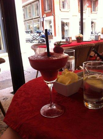 Caffe Al Teatro: Lunchtime drink