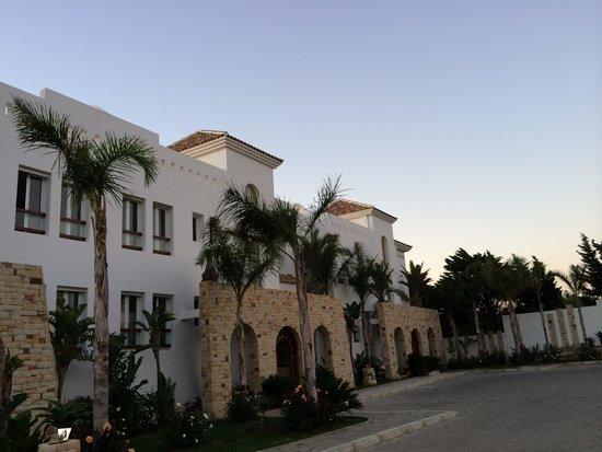 Mnar Castle Hotel Apartments: Exterior