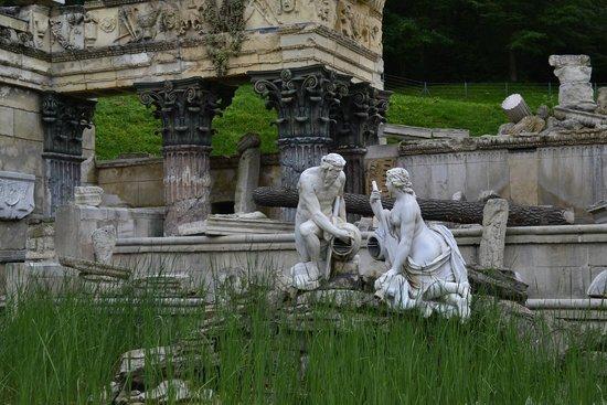 """Schloss Schönbrunn: фонтан """"Руина"""""""