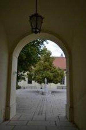 Schloss Schönbrunn: дворцовый дворик