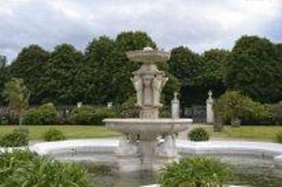Schloss Schönbrunn: фонтан