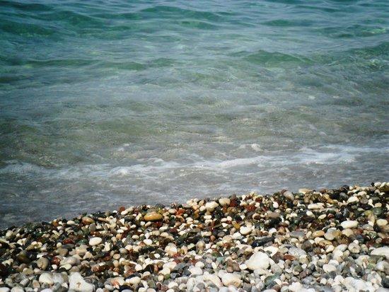 Konar And Doruk : Галечный пляж