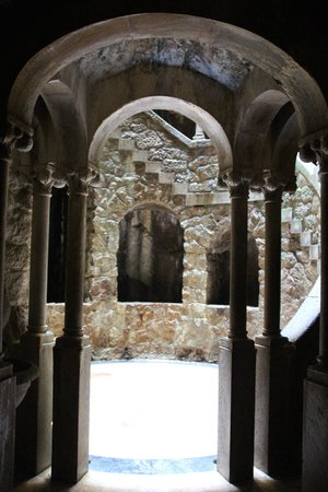 Quinta da Regaleira: The initiation well entrance from the tunnels