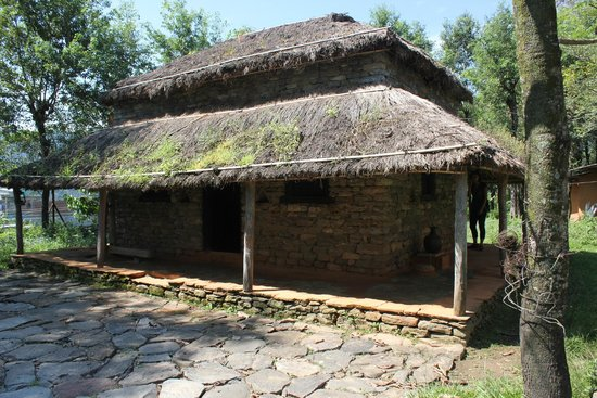 International Mountain Museum: baraque traditionnelle dans le parc du musée