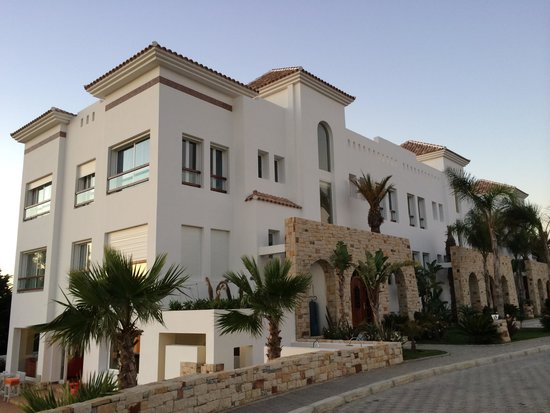 Mnar Castle Hotel Apartments: Exterior