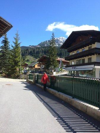 Hotel Bischofsmutze: outside hotel