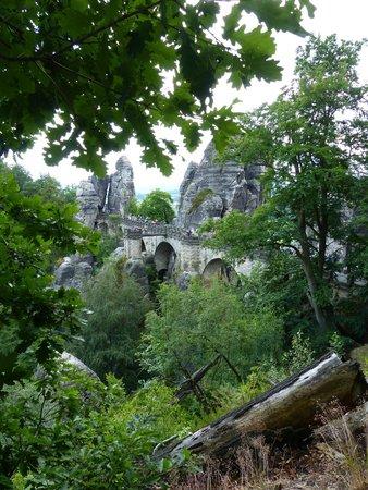 Blick zurück auf die Bastei-Brücke