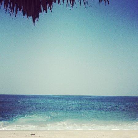 Manta Raya Hotel: The ocean