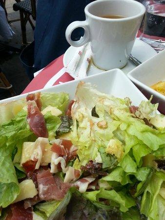 Au Pere Tranquille : salad