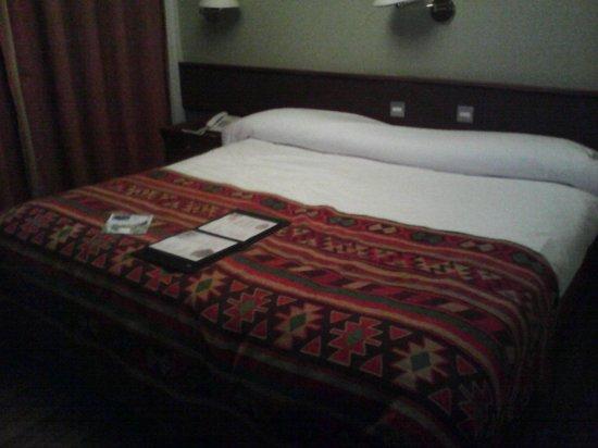 Hotel Cap Polonio: Hab. pequeña pero cómoda