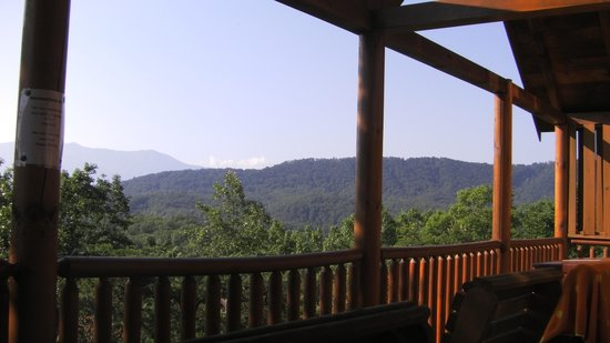 Sherwood Forest Resort: Beautiful view from deck