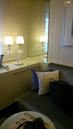 Hotel Elsereine Osaka : Sofa